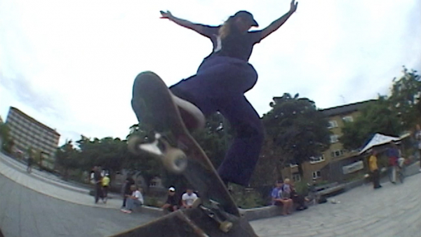 """The Skatewitches' """"Portal to Malmö"""" Video"""