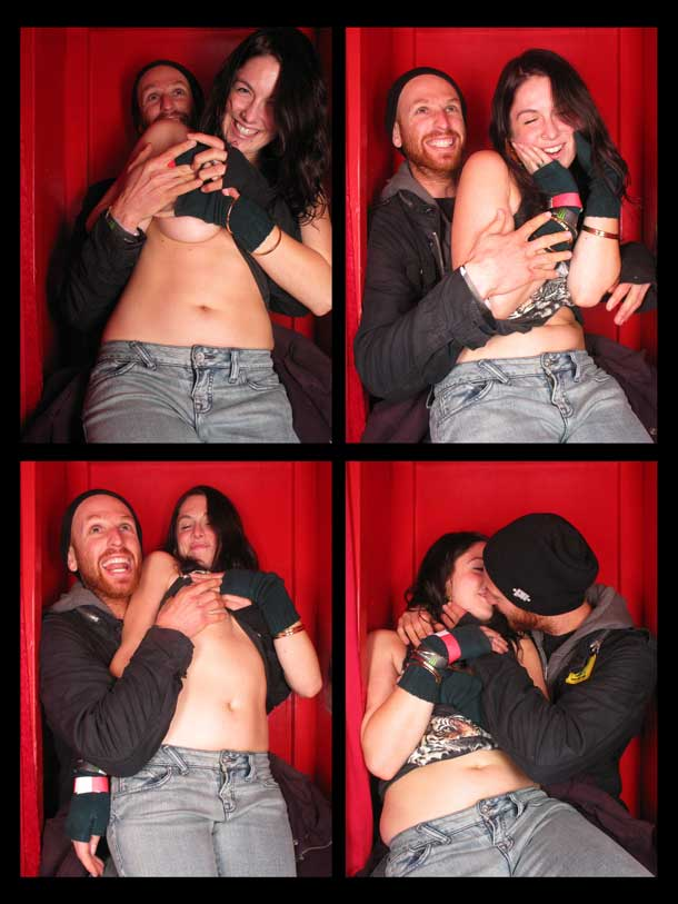 REDCHEESE-PHOTO-BOOTH-298-20091211-HSP-42277-5.jpg