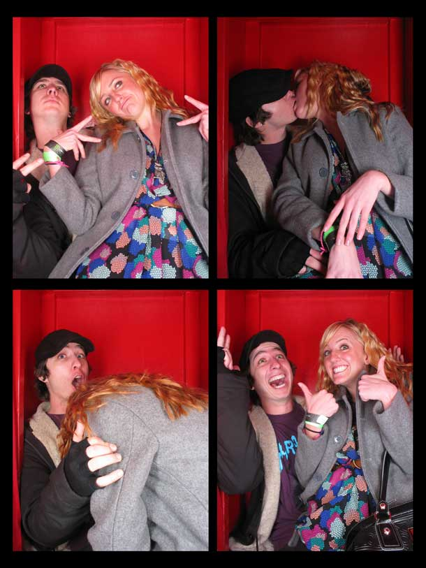 REDCHEESE-PHOTO-BOOTH-298-20091211-HSP-8AB6C-5.jpg