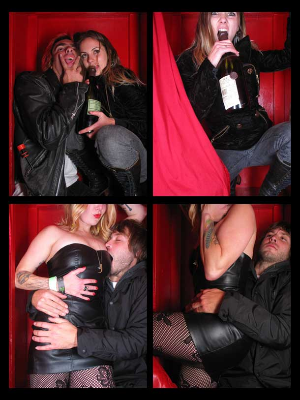 REDCHEESE-PHOTO-BOOTH-298-20091211-HSP-932E5-5.jpg