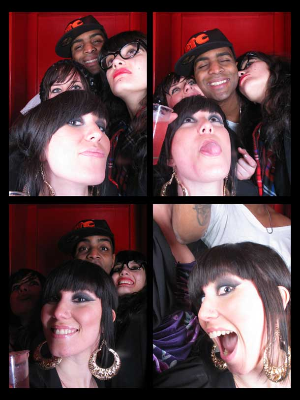 REDCHEESE-PHOTO-BOOTH-298-20091211-HSP-E7466-5.jpg