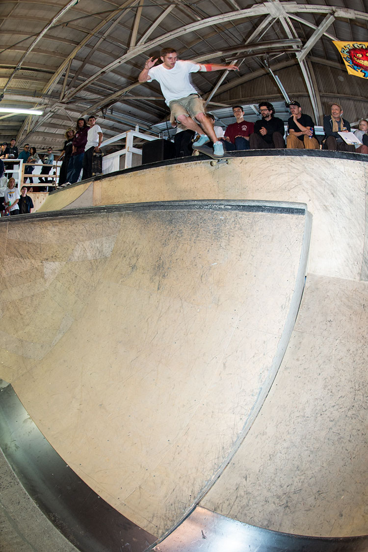 28 big couch bs smith DZ 750px