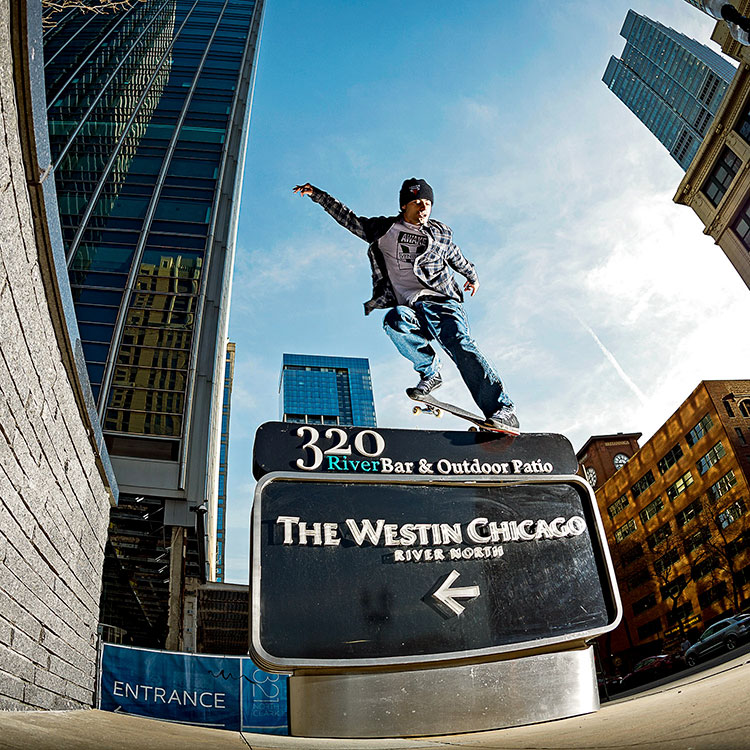 nickmatthews bsnosebluntslide chicagoil jones DZ 750px