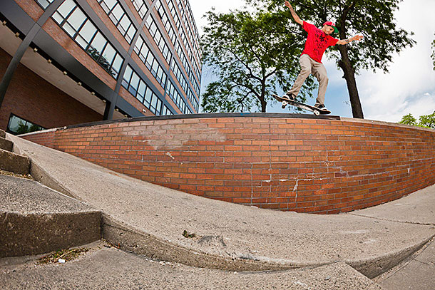 Chaz_Ortiz_BackNosegrind-Chicago_CRONAN