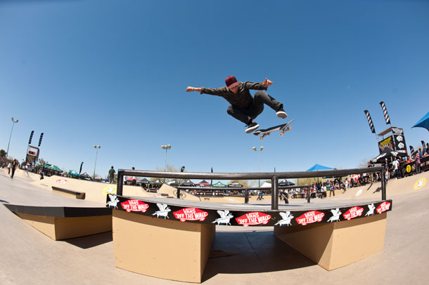 ryan_spencer_backside_flips_the_skullcandy_box