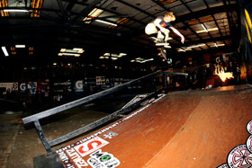 280Alec-kf-backlip