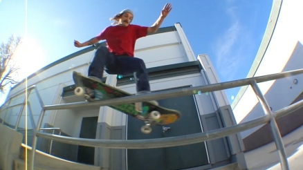 "Chris Varcadipane's ""Surroundings"" Video"