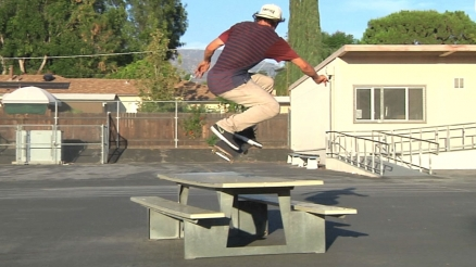 Epic Tricks: Carlos Ribeiro's Switch BS 360